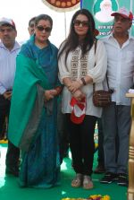 Poonam Dhillon, Poonam Sinha at Swacch Bharat campaign in MMRDA on 28th Oct 2014 (14)_5450935a6f3a0.JPG