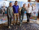 Annu Kapoor, Akshay Kumar, Piyush Mishra, Anupam Kher promote the Film The Shaukeen PC at delhi Imperial Hotel on 31st Oct 2014  (4)_54560243da20d.jpg