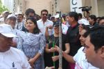 Mahima Chaudhry at cleanliness drive by Nahar Group in Powai on 2nd Nov 2014 (12)_54572a4e8caf3.JPG