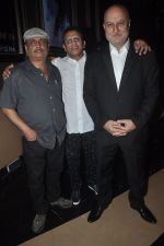 Anupam Kher, Annu Kapoor, Piyush Mishra at The Shaukeens premiere in PVR, Mumbai on 6th Nov 2014 (26)_545c899b38649.JPG