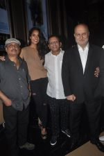 Anupam Kher, Annu Kapoor, Piyush Mishra, Lisa Haydon at The Shaukeens premiere in PVR, Mumbai on 6th Nov 2014 (34)_545c899bd3946.JPG