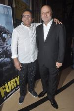 Anupam Kher, Annu Kapoor at The Shaukeens premiere in PVR, Mumbai on 6th Nov 2014 (18)_545c899a014b7.JPG