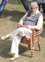 Amitabh Bachchan snapped in Kolkata on the sets of movie Piku on 8th Nov 2014  (42)_545ed38eee87b.jpg