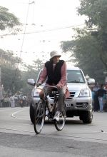 Amitabh Bachchan snapped in Kolkata on the sets of movie Piku on 8th Nov 2014  (46)_545ed39225f2d.jpg