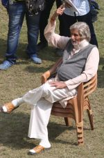 Amitabh Bachchan snapped in Kolkata on the sets of movie Piku on 8th Nov 2014