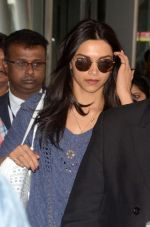 Deepika Padukone snapped in Kolkata on the sets of movie Piku on 8th Nov 2014
