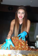 Giselle Thakral at Cake mixing Event in Holiday Inn on 8th Nov 2014 (7)_545f4d432df1e.JPG