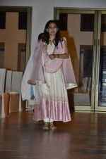 Juhi Chawla at Ravi Chopra prayer meet in Blue Sea on 15th Nov 2014 (196)_54687d08b2748.JPG