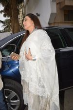 Rani Mukherjee at Ravi Chopra prayer meet in Blue Sea on 15th Nov 2014 (205)_54687d5cd32cf.JPG