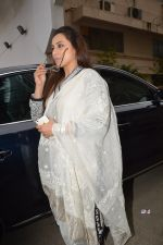 Rani Mukherjee at Ravi Chopra prayer meet in Blue Sea on 15th Nov 2014 (214)_54687d66c6604.JPG