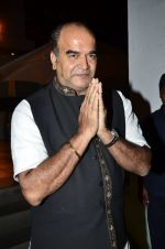at Ravi Chopra prayer meet in Blue Sea on 15th Nov 2014 (173)_54687d1681a4a.JPG