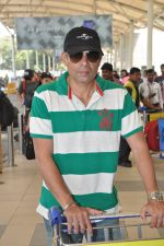 Atul Agnihotri snapped at airport in Mumbai on 17th Nov 2014 (20)_546adfc34e3ce.JPG