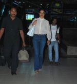 Deepika Padukone snapped at Airport in Mumbai on 18th Nov 2014 (17)_546c59c823188.JPG