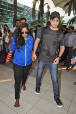 Arpita Khan returns post wedding in Mumbai on 21st Nov 2014 (11)_547066487e28b.JPG