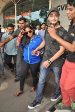 Arpita Khan returns post wedding in Mumbai on 21st Nov 2014 (15)_5470664c9e56c.JPG