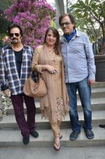 Akbar Khan, Zarine Khan, Sanjay Khan at Susanne Khan_s The Charcoal Project new collection launch in Andheri, Mumbai on 24th Nov 2014 (245)_54737ec0c98da.JPG