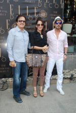 Sanjay Khan, Farah Ali Khan, Zayed Khan at Susanne Khan_s The Charcoal Project new collection launch in Andheri, Mumbai on 24th Nov 2014 (6)_54737ec3736ad.JPG