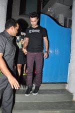 Arpita Khan snapepd with Ayush in Olive, Mumbai on 28th Nov 2014 (2)_54799ab482233.JPG