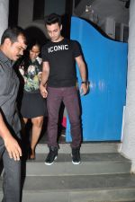 Arpita Khan snapepd with Ayush in Olive, Mumbai on 28th Nov 2014 (3)_54799ab62fcad.JPG