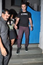 Arpita Khan snapepd with Ayush in Olive, Mumbai on 28th Nov 2014 (4)_54799ab760d82.JPG