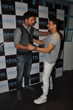 Yuvraj Singh, Timmy Narang at Kipos greek restaurant launch in bandra, Mumbai on 28th Nov 2014 (32)_54799f1d19cff.JPG