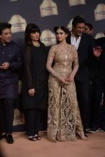 Aditi Rao Hydari, Wasim Akram walk the ramp for Suneet Verma for Blenders with jewels by Azva on 29th Nov 2014 (131)_547c49f08cfb1.JPG
