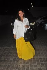 Dimple Kapadia snapped at PVR in mumbai on 1st Dec 2014 (8)_547d6220b312d.JPG