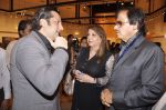 Fardeen Khan, Zarine Khan, Sanjay Khan at camel colours exhibition in Jehangir Art Gallery, Mumbai on 1st Dec 2014 (17)_547d80cf0a896.JPG