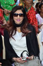 Tinaa Ghaai  visit Kamathipura for HIVAIDS awareness on World AIDS Day in Mumbai on 1st Dec 2014 (14)_547d6162317b8.JPG