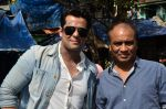 Vikram Singh, Vipin Sharma visit Kamathipura for HIVAIDS awareness on World AIDS Day in Mumbai on 1st Dec 2014 (16)_547d61a3766f0.JPG