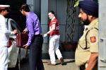 Gautam Singhania snapped in Airport private, Mumbai on 2nd Dec 2014 (7)_547eb27772f6e.JPG