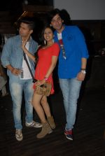 Ravi Dubey , Sargun and Shashank Vyas at Vahbbiz Dorabjee_s bday in Mumbai on 3rd Dec 2014_548007fb083f7.jpg