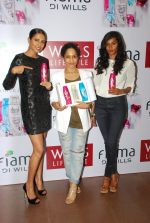 Masaba, Candice Pinto, Nidhi Sunil at Fiama Di Wills promotion on 4th Dec 2014 (191)_5481765919024.JPG