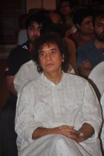 Zakir Hussain at Sitaradevi prayer meet in Mumbai on 4th Dec 2014 (23)_54817933bc97f.JPG