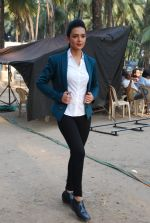 Bidita Bag On location of Gun Pe Done in Madh on 8th Dec 2014 (104)_5486b94d9e73f.JPG