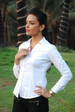 Bidita Bag On location of Gun Pe Done in Madh on 8th Dec 2014 (108)_5486b9523f555.JPG