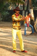 Vijay Raaz On location of Gun Pe Done in Madh on 8th Dec 2014 (50)_5486b9a1cee23.JPG