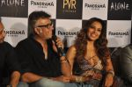 Bipasha Basu, Bhushan Patel at Alone First Look Launch in Mumbai on 9th Dec 2014 (37)_5487f24a2df08.JPG