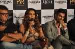 Bipasha Basu, Karan Singh Grover, Bhushan Patel at Alone First Look Launch in Mumbai on 9th Dec 2014 (44)_5487f24cbea52.JPG