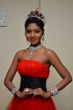 Shital Upare, second runner-up Miss Heritage International in Kohinoor on 9th Dec 2014 (12)_5487eeb9bab8d.JPG