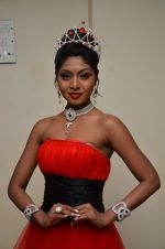 Shital Upare, second runner-up Miss Heritage International in Kohinoor on 9th Dec 2014 (13)_5487eebaa2738.JPG