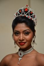 Shital Upare, second runner-up Miss Heritage International in Kohinoor on 9th Dec 2014 (15)_5487eebd70cb3.JPG