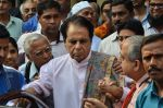 Dilip Kumar with Saira Banu snapped as he gets discharged from hospital in Mumbai on 11th Dec 2014 (78)_548aac1eb66e6.JPG