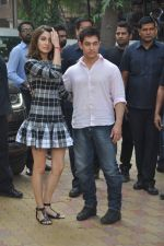 Anushka Sharma, Aamir Khan at PK game launch in Reliance Digital, Mumbai on 12th Dec 2014  (195)_548c255759558.JPG