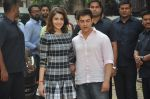 Anushka Sharma, Aamir Khan at PK game launch in Reliance Digital, Mumbai on 12th Dec 2014  (204)_548c255cf2e98.JPG