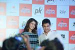 Anushka Sharma, Aamir Khan at PK game launch in Reliance Digital, Mumbai on 12th Dec 2014  (211)_548c255ddb483.JPG