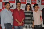 Anushka Sharma, Aamir Khan, Rajkumar Hirani at PK game launch in Reliance Digital, Mumbai on 12th Dec 2014  (166)_548c2561ead70.JPG