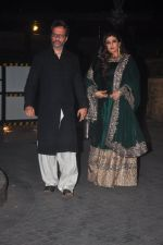 Raveena Tandon, Anil Thadani at Sangeet ceremony of Riddhi Malhotra and Tejas Talwalkar in J W Marriott, Mumbai on 13th Dec 2014 (408)_548ec5478d53a.JPG