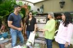 Sunil Shetty, Mana Shetty at Shaan Khanna_s Spicysangria exhibition in R House, Mumbai on 13th Dec 2014 (16)_548e9e3734af1.JPG