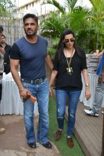 Sunil Shetty, Mana Shetty at Shaan Khanna_s Spicysangria exhibition in R House, Mumbai on 13th Dec 2014 (24)_548e9e3c10aa9.JPG